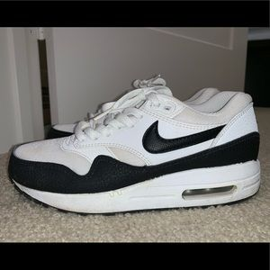 NIKE AIR MAX 1 BLACK/WHITE
